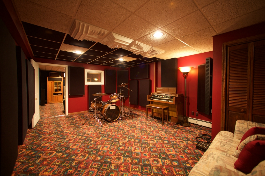 Skylar Ross Recording Live Room
